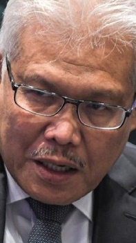 Hamzah: Over 170,000 UNHCR cardholders in Malaysia, you want us to look after them?