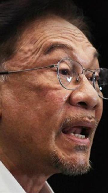 Reconvene Parliament or resign, Anwar tells Muhyiddin