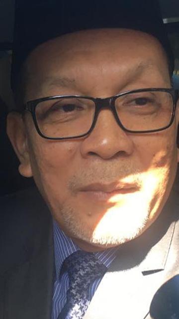LIVE: Selangor infrastructure exco, Izham Hashim visits Dash Highway accident site