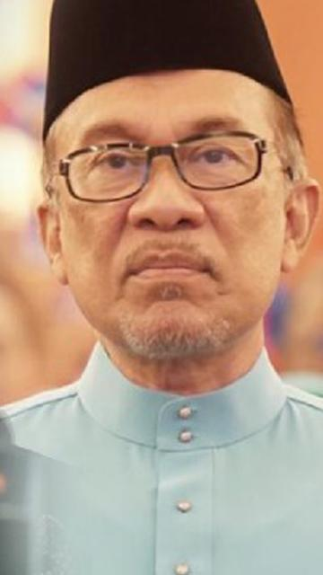 Have some dignity and resign, Anwar tells Muhyiddin