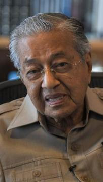 Dr M: Contract doctors wasn't a problem during my time, Najib's time
