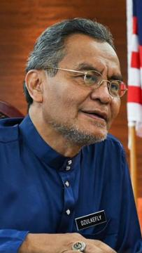 'Too late, too little, too few' - Dr Dzul hits out at govt over mass testing delay