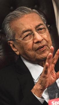 'Isu doktor kontrak bukan masalah ketika pentadbiran saya, Najib'