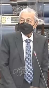 'Ini satu jenis sogokan' - Dr M seru henti lantik ahli politik isi jawatan bertaraf menteri